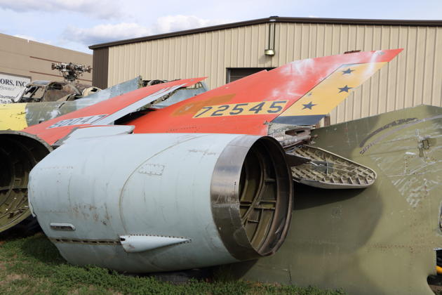 The forlorn tail of F-106B 57-2545 at Bissel Auto in St. Louis.