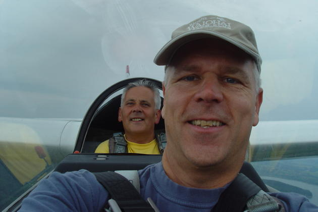 Enjoying the flight with Miroslaw Nawoj in the Puchacz while ridge soaring in southern Poland.