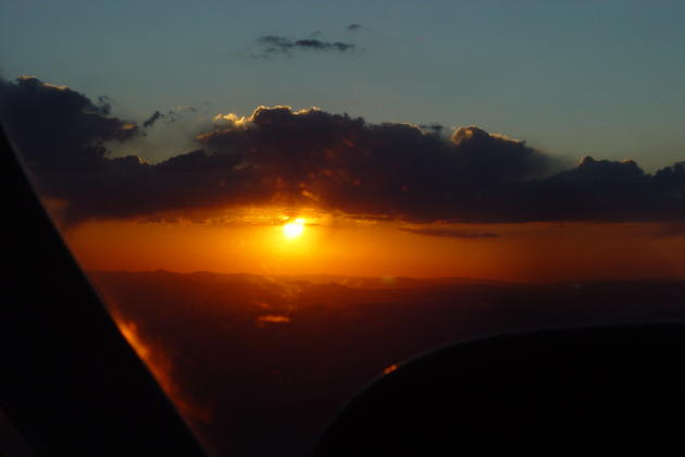 Viewing a gorgeous sunset over the Nevada/California border at Flight Level 200 in the Cessna 340.