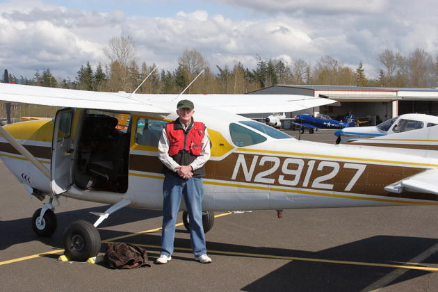 Bob Jones and our 'shuttle flight' to Bellingham, his well equipped Cessna 206, N29127.