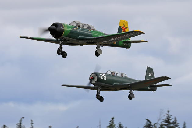 Formation takeoff with Larry Pine at Bremerton. Photo by Dan Shoemaker.
